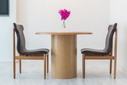 Jakie krzesła wybrać do nowoczesnego wnętrza?